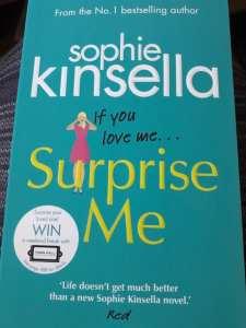 Surprise me di Sophie Kinsella